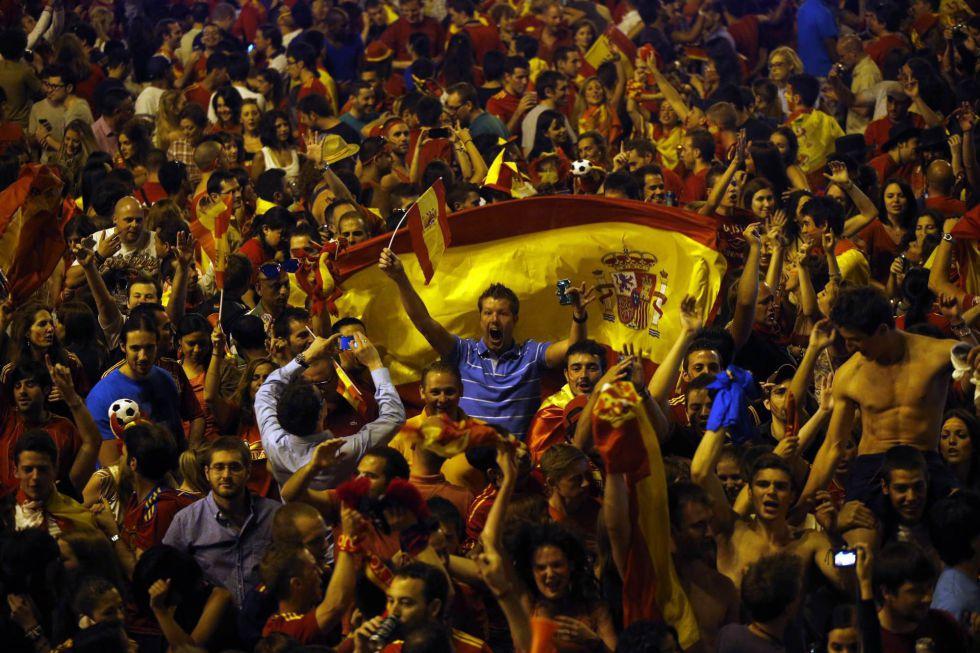 Mega ritual de adoración a Cibeles (Semiramis) de España 1341183632_126915_1341183830_album_normal